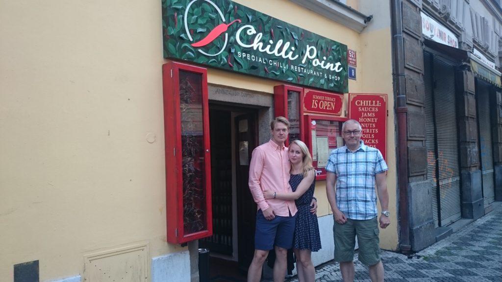 En fantastsik trevlig restaurang som måste besökas när man är i Prag. En liten fin miljö med all mat gjort med Chili. Det var starkt och hett minst sagt. Uppskattas mer elelr mindre beroende på vem du frågar men konceptet var jättekul även för en mildsmakare som jag.